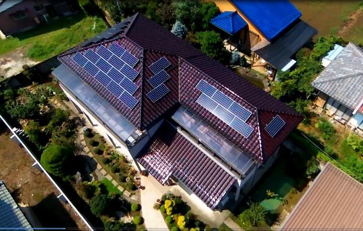 平成25年11月22日完工 群馬県 G様邸 東芝太陽光発電システム7.5KW